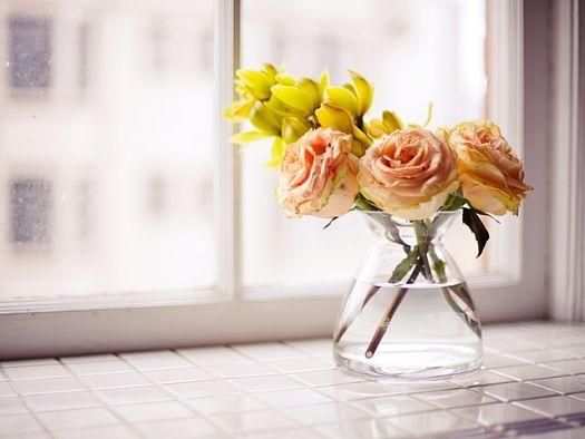 Свежие цветы в вазе - хороший фен-шуй